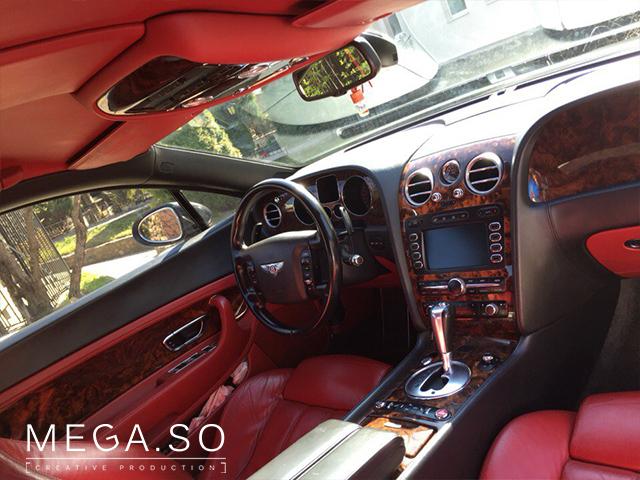 Bentley красный салон